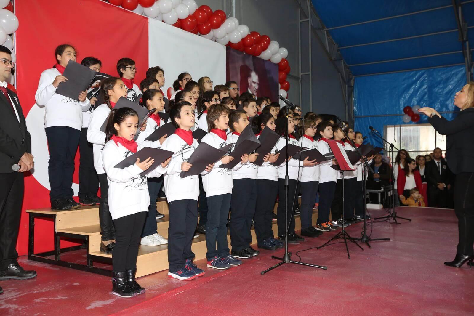 Biltes Koleji - Cumhuriyetimizin 94. Yıldönümü Okulumuzdaki Törenlerle Kutlandı